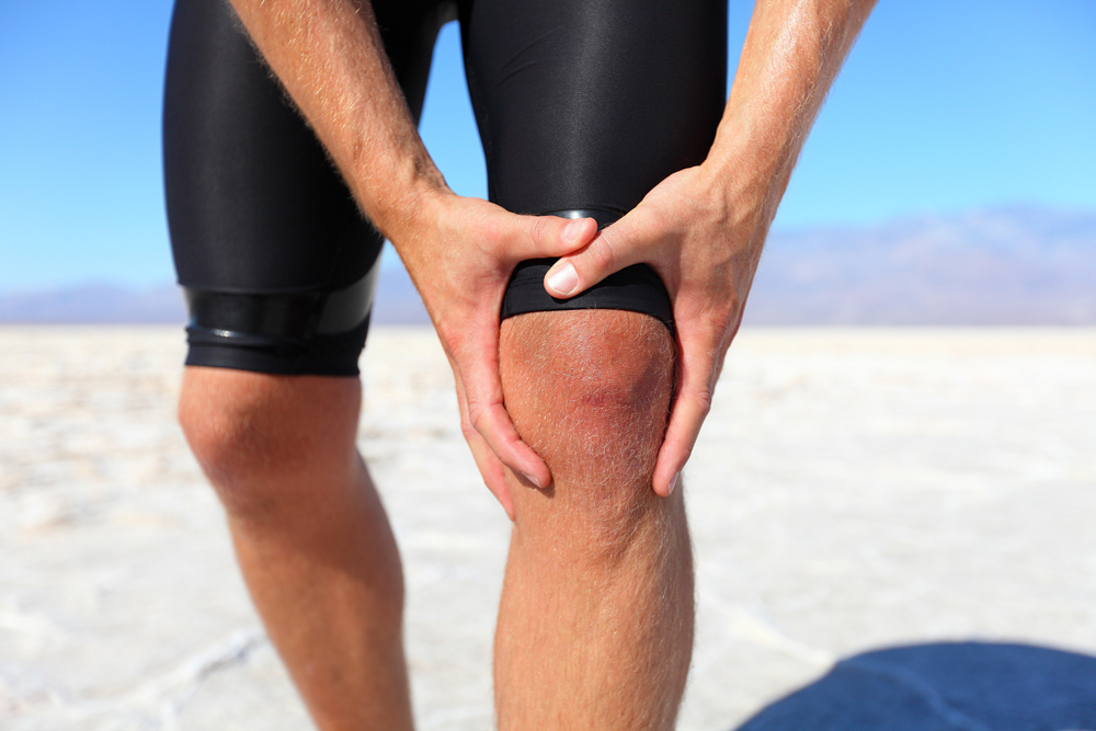 Runner suffering from knee pain